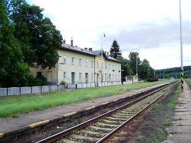 Railway restaurant stop in old Czechoslovakia for German troops. Milena Pallaghy's home during the war on creation6000.com