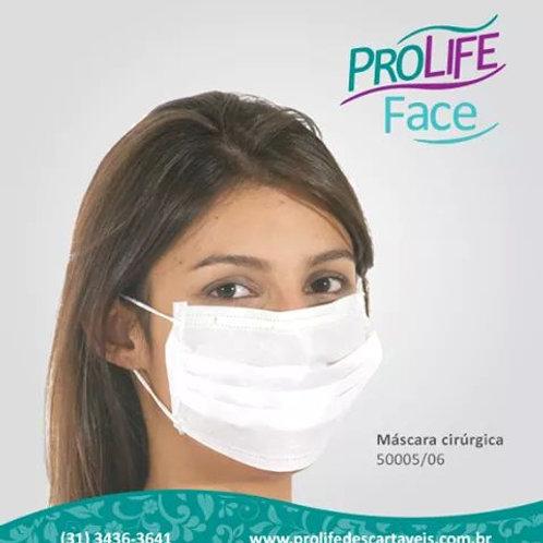 Máscara cirúrgica tripla cor branca. Cx.com 50 undiades.
