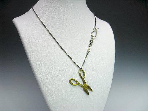 Mini Shears necklace / Alexandra Chaney