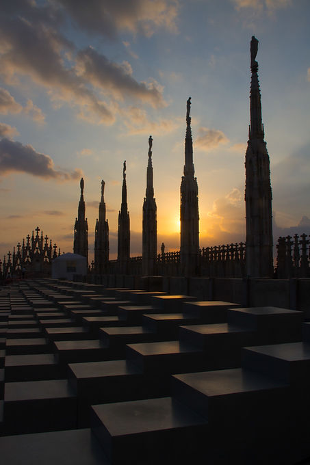 Sunset over Duomo di Milano