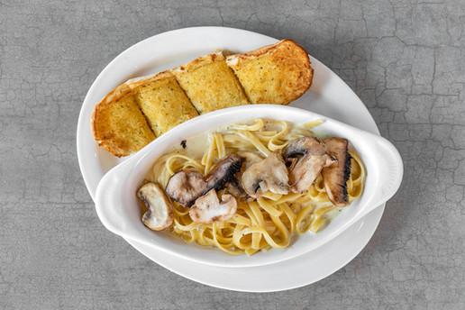 Chicago Pizza Pasta_Mushroom Alfredo Pasta.jpg