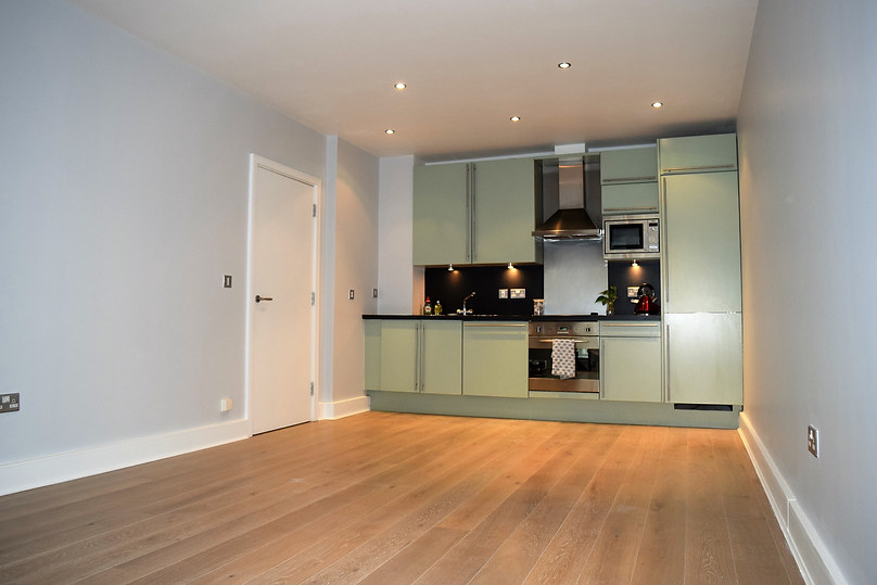 1 bedroom flat fully repainted with Farrow and Ball