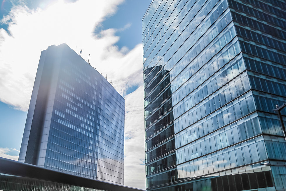 windows-skyscraper-business-reflect-offi