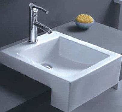 Massimo semi-recess square basin