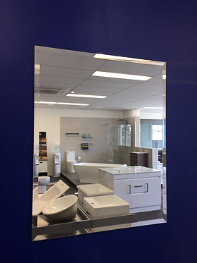 Bevelled edge mirror 900mm