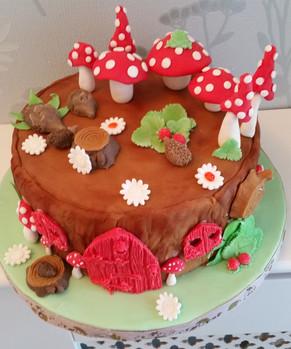 Hedgehog and toadstools cake
