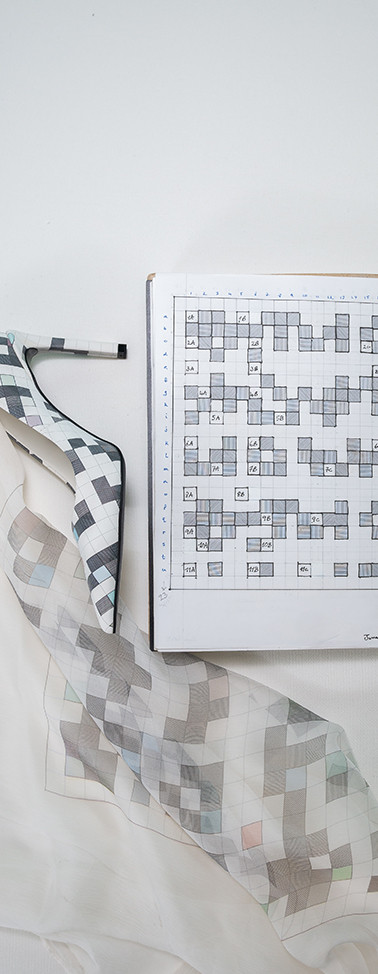 Notebook page - D7 high heel - silk chiffon scarf