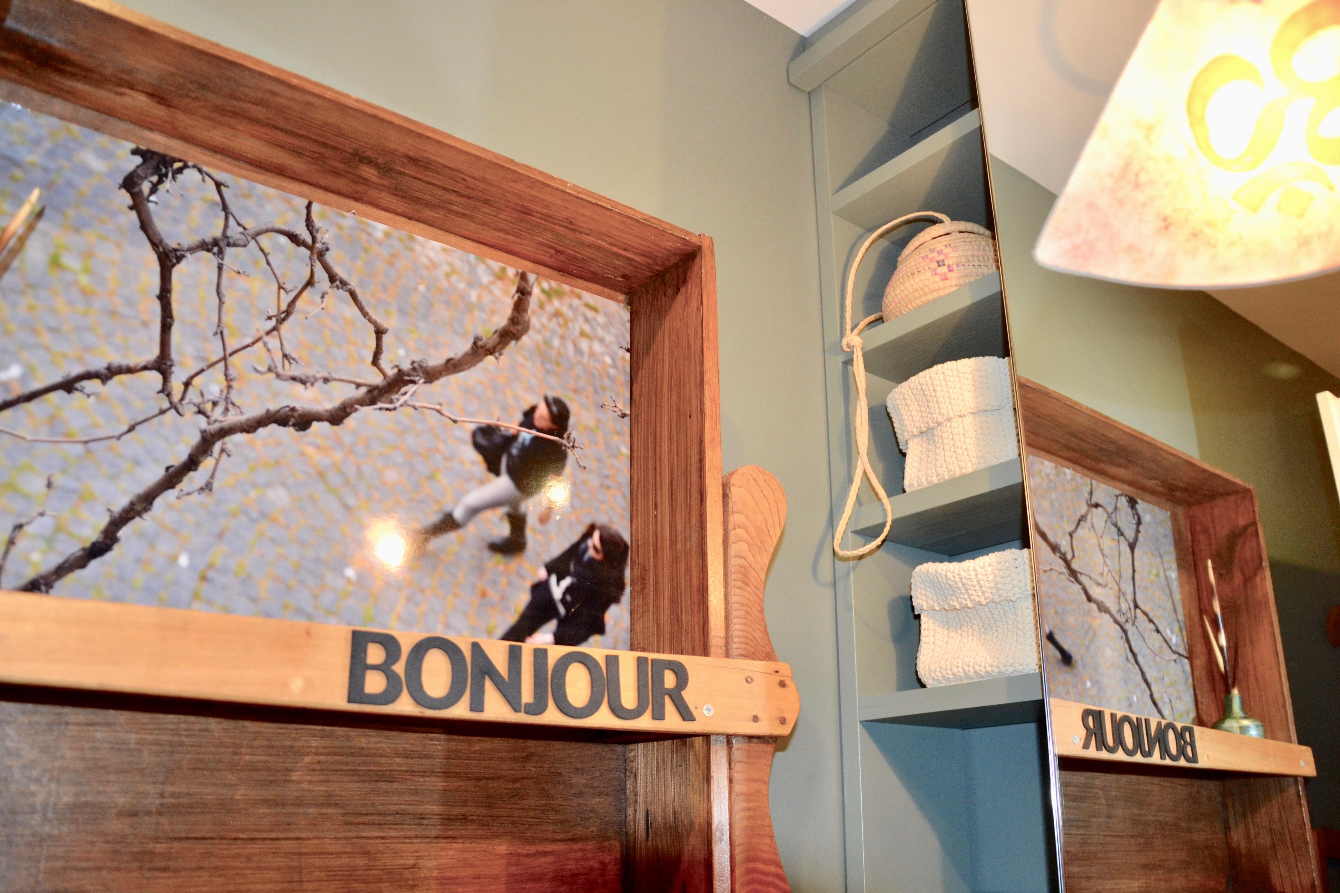 dett_bonjour_mensola bagno copia 2