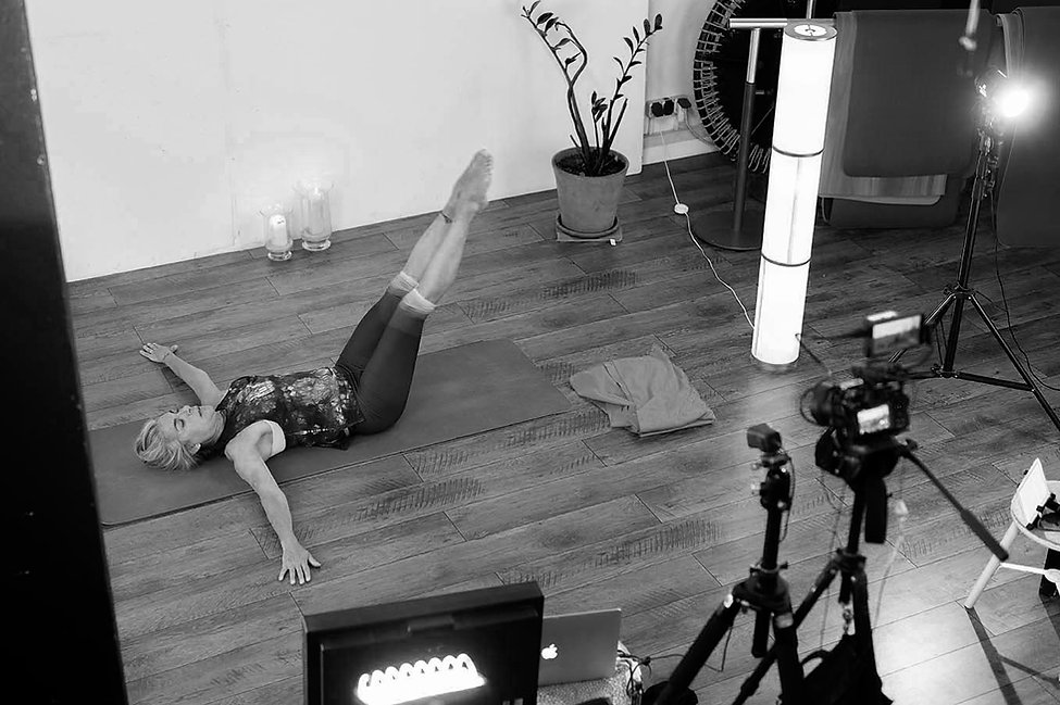 Pilates_muenchen_online_Momax_2.jpg
