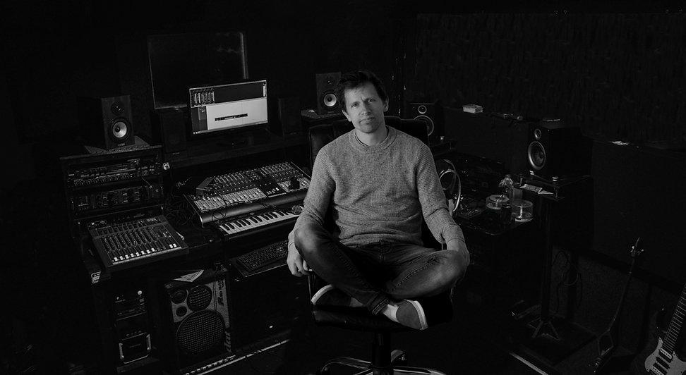 studio Simeon Lumgair.jpg