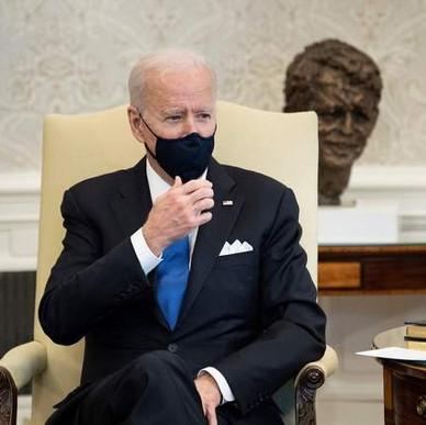 """JOE BIDEN LLAMA """"NEANDERTALES"""" A TEXAS Y MISISIPI POR LEVANTAR EL USO OBLIGATORIO DE CUBREBOCAS."""