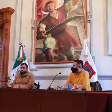 DECOMISAN SUPUESTAS PRUEBAS DE COVID19 EN PLAZA DORADA.