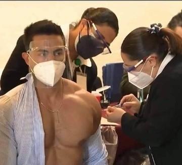 PIDE DISCULPAS DOCTOR QUE RECIBIÓ VACUNA CONTRA EL COVID19 Y DESPUÉS SE FUE DE FIESTA.