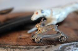 JM studio wheeled hare theunwinding D Je
