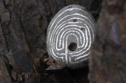 walk labyrinth numberseven black