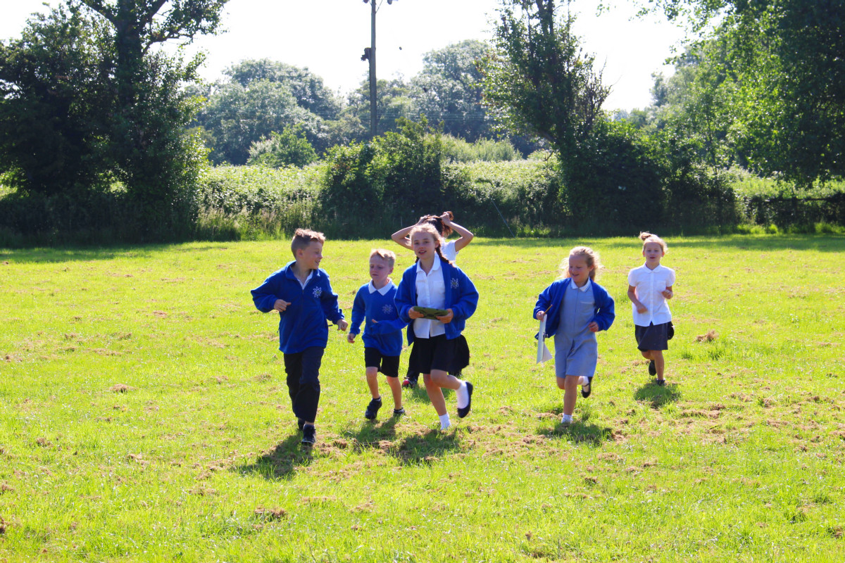 Storywalks with Severn Beach School