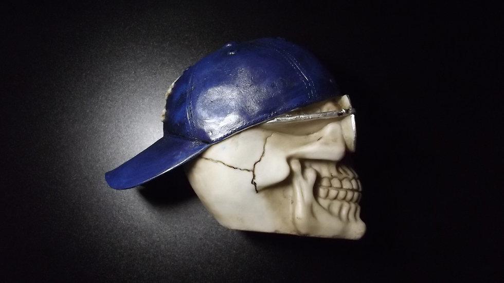 Baseball Cap Resin Skull   (a)