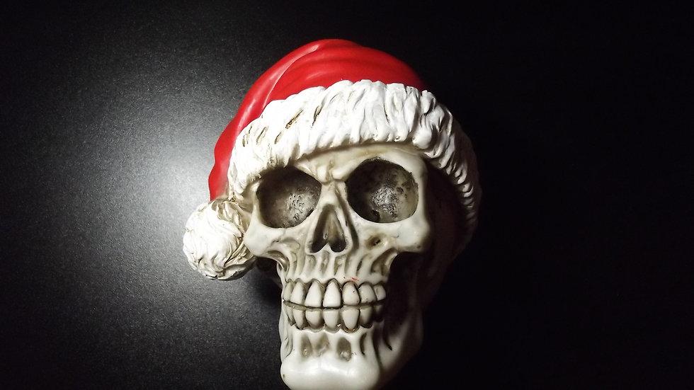 Santa Resin Skull   (a)