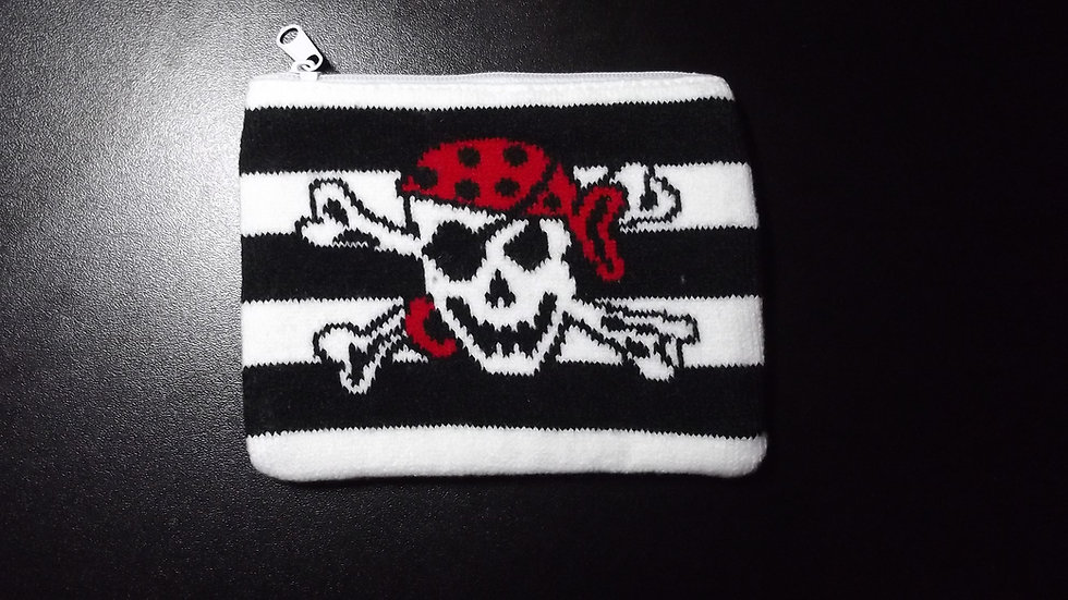 Knitted Pirate Skull Purse