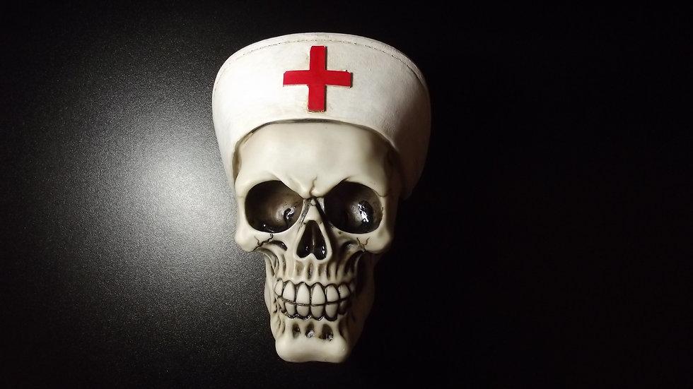 Nurse Resin Skull   (a)
