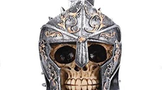 Gladiator Resin Skull    (a)