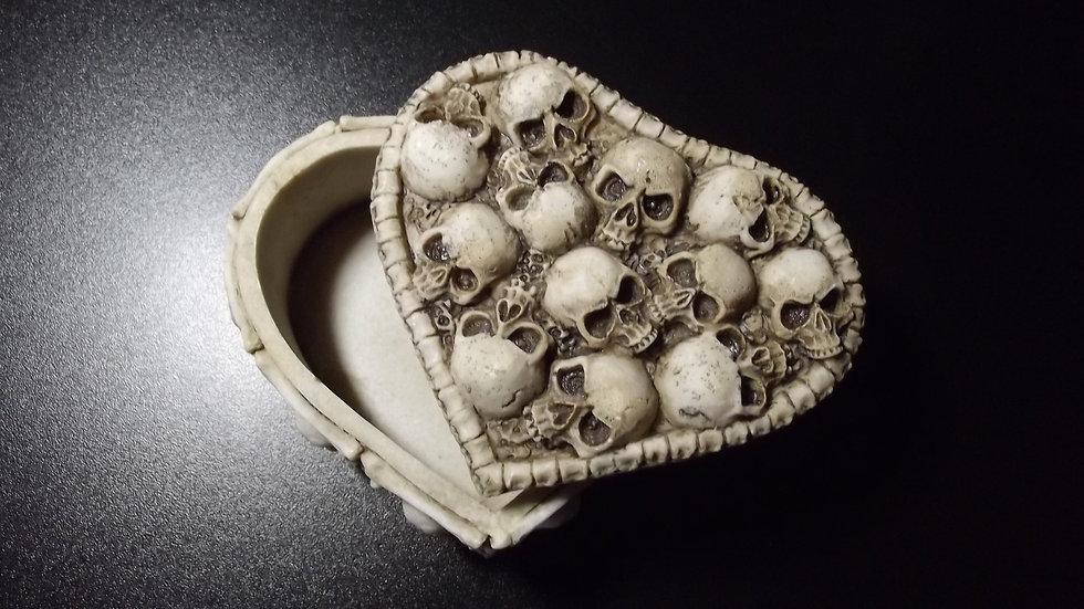 Large Resin Heart Skull Trinket Box   (a)
