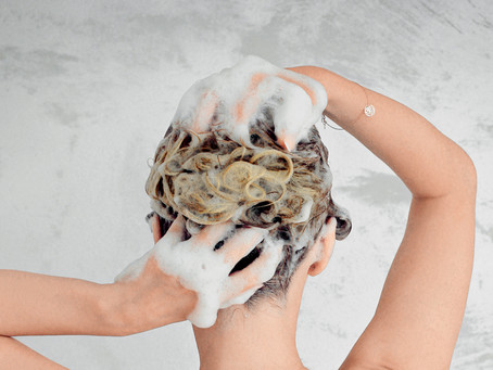 How to properly clean the hair of built-up substances?