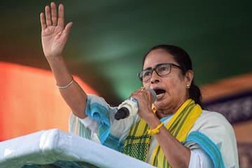 EC Sends Notice to Mamata Banerjee for Asking Muslims to Vote En bloc for TMC, Seeks Clarification