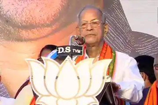 BJP's E Sreedharan Says Voters Washing, Touching His Feet Part of Indian Culture, Expression of Respect