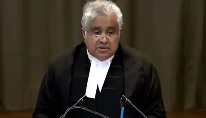 """""""SC allows Harish Salve to withdraw as amicus, raps some senior lawyers for imputing motives to it"""""""