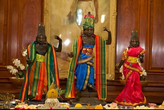 UK returns 15th century idols of Lord Ram, Sita & Lakshman stolen 40 yrs ago to India