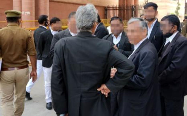 Non-availability of sufficient public prosecutors defeats right to speedy trial, one of the reasons for pendency: Karnataka High Court