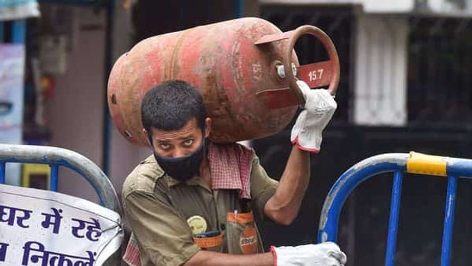 """""""LPG price hike: Cooking gas rates up ₹50, here's how much you'll pay per cylinder"""""""