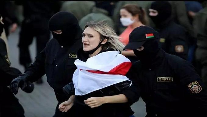 Hackers leak data of 1,000 Belarusian police after protestors' arrests