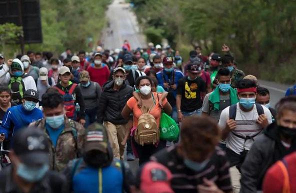 """""""Guatemala tries blocking caravan of 9,000 Honduran migrants"""""""