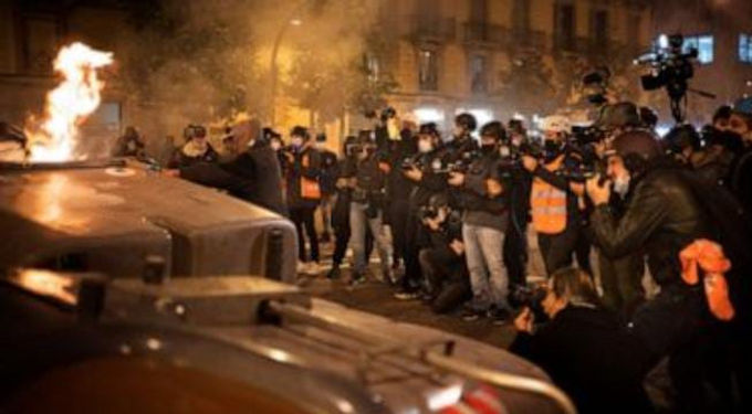 Spain sees 4th night of riots as government shows strain