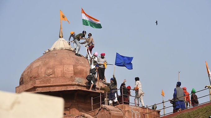 Centre asks Delhi Police to issue lookout notices against 20 farmer leaders over Red Fort rampage