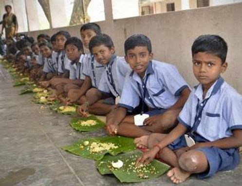 Centre to give ₹100 each to children covered by mid day meal scheme