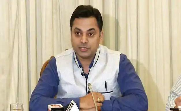 """Chief Economic Advisor Backs Proposal To Bring Petrol Under GST"""