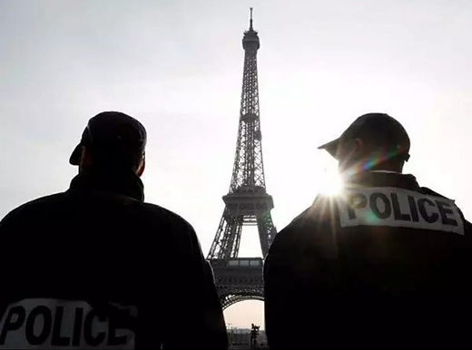 4 stabbed in Paris knife attack near former office of Charlie Hebdo magazine