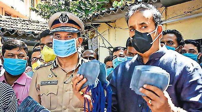 """Bombay HC directs CBI to begin inquiry into corruption allegations against Maharashtra Home Minister Anil Deshmukh"""
