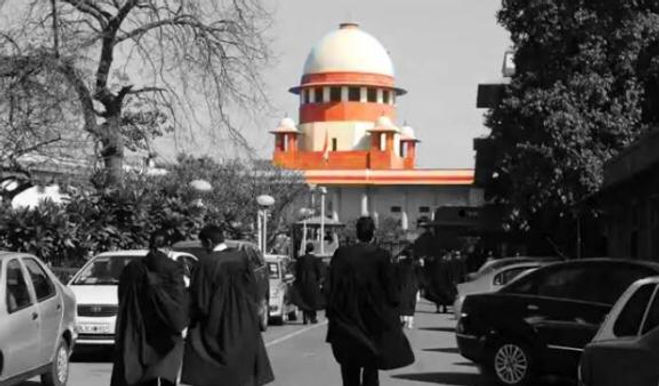 Advocates Can Only Earn Livelihood If They Come Into Contact With People' : SC Says Lawyers' Demand For Vaccine Priority Need Consideration