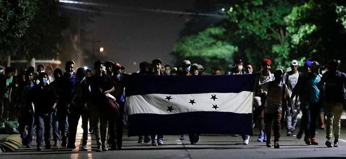 """Migrant caravan on the move in Honduras in uncertain times"""