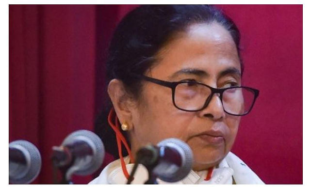 """""""Gujarat BJP protests against Mamata Banerjee, TMC"""""""