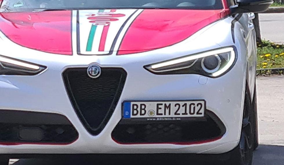 Alfa Stelvio Enzo Fahrschule