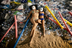 Plastic mother