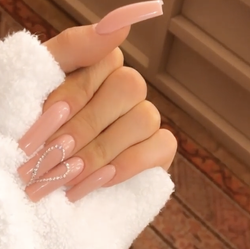 kylie jenner heart nails
