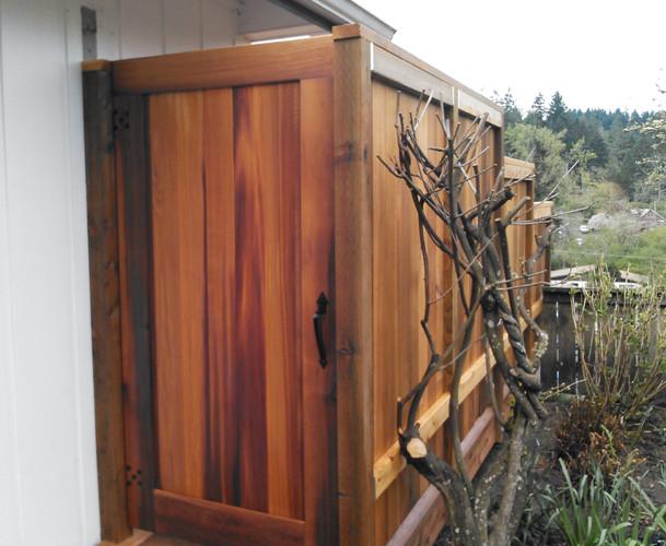 Narrow Cedar Gate