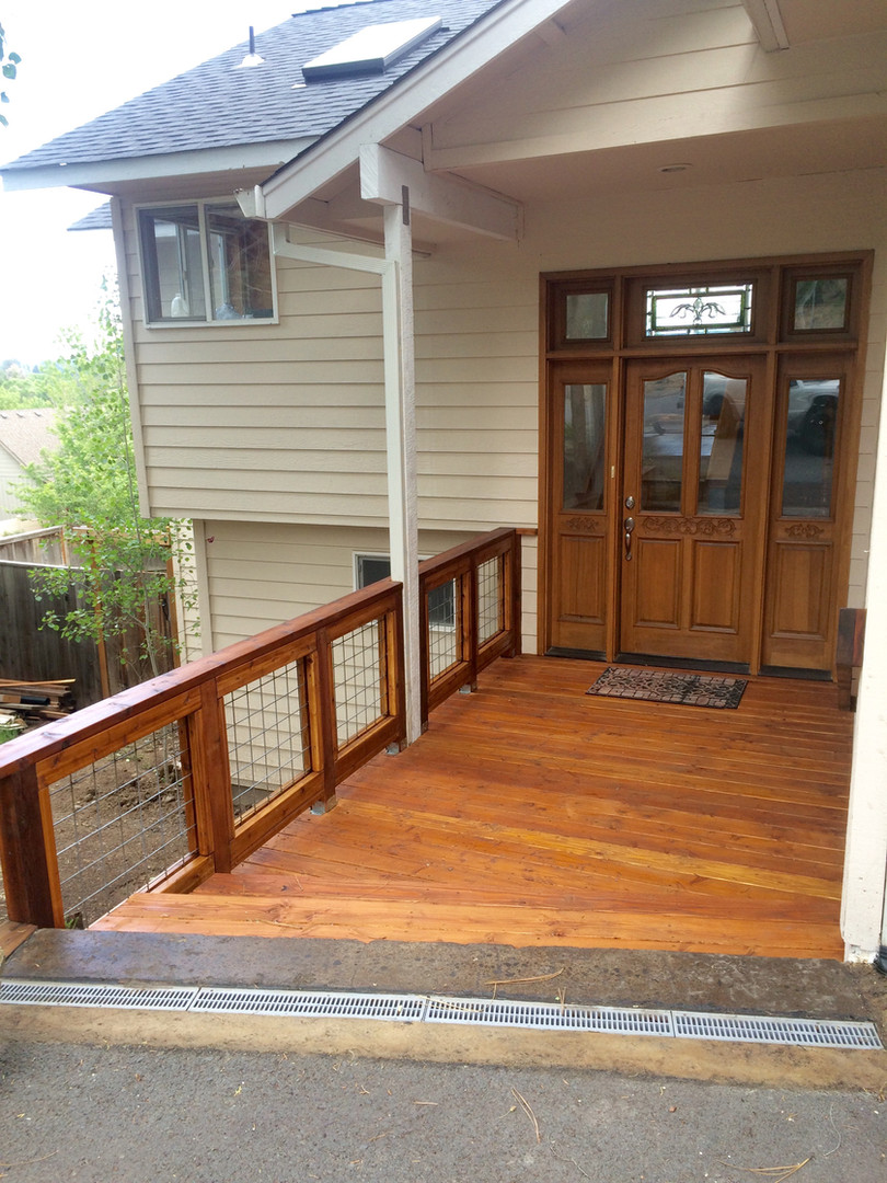 Deck with Wire Grid Railing
