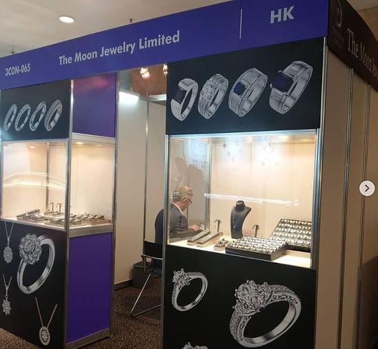 jewelry show 2.JPG